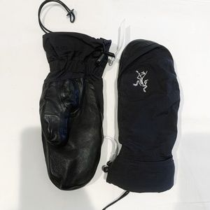 Arcteryx Gloves Mittens - perfect for outdoors